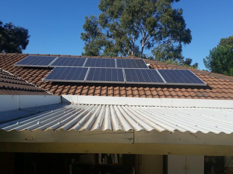 solar-panels-2685357_1920